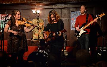 Jackie Oates, Megan Henwood and Pete Thomas at Nettlebed
