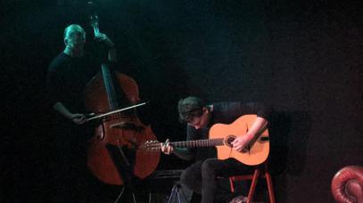 Pete Thomas and Andrea Todesco perform gypsy jazz